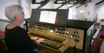 Hybrid Organ Video: Jean Farris Fuller plays: 'Holy, Holy, Holy' (Reginald Heber).